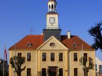 trzebiatow_town_hall_facade_2009-04